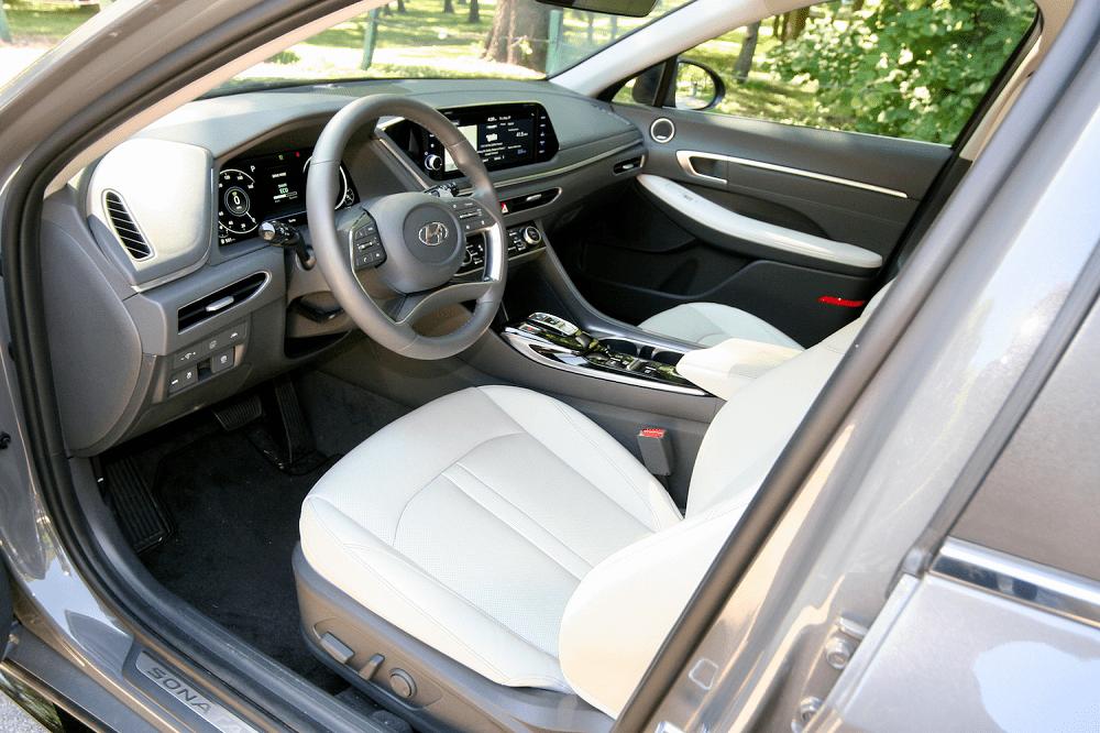 2020 Hyundai Sonata Hybrid Limited Interior