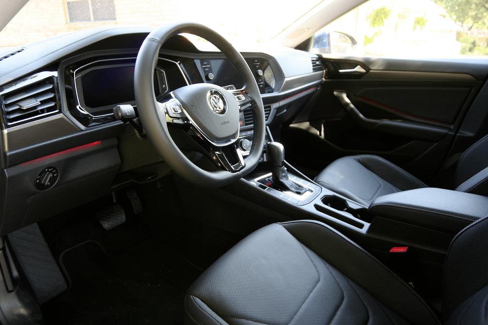 2020 Volkswagen Jetta SEL Premium features