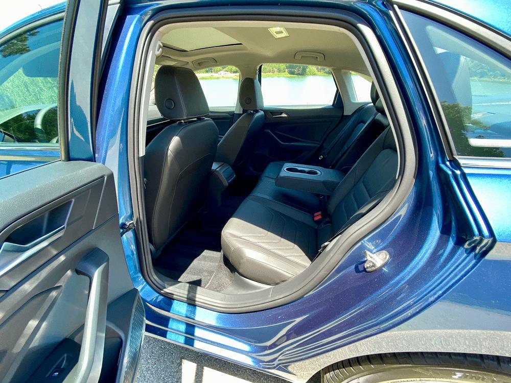 2020 Volkswagen Jetta SEL Premium interior