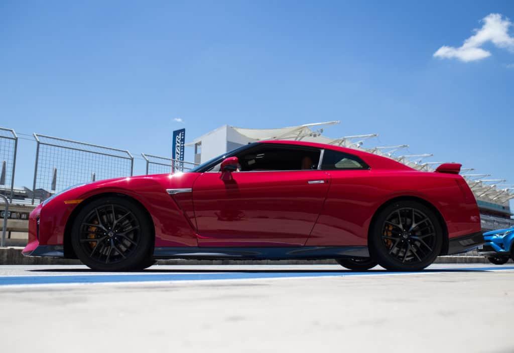 It's Fast and Now the 2017 Nissan GT-R Is Luxurious, Too Photo Gallery