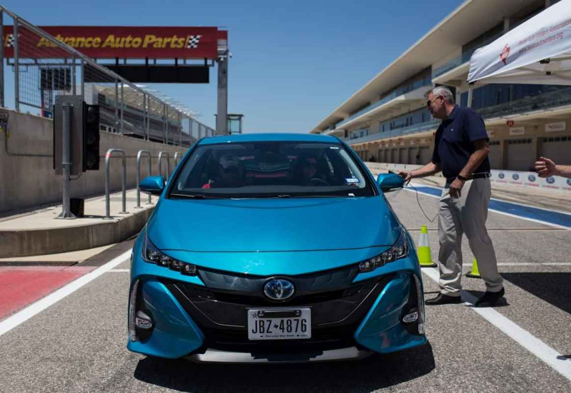 First Look: 2017 Toyota Prius Prime Advanced