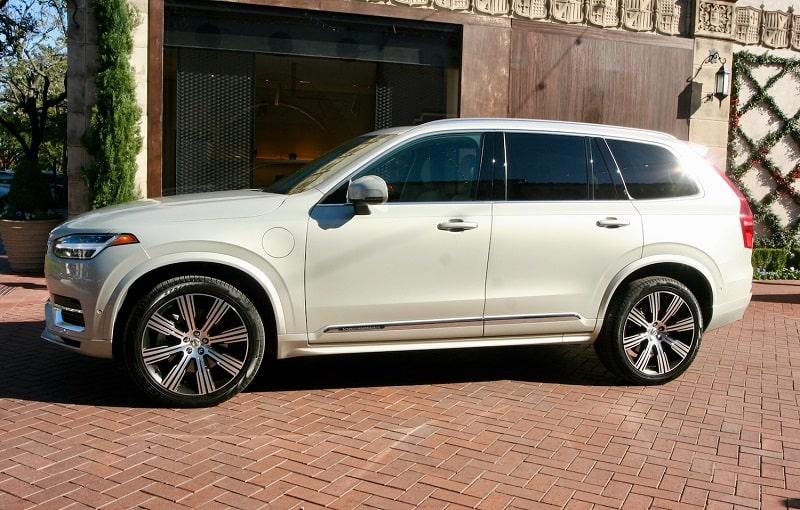 2020 Volvo XC90 T8 e-AWD Inscription Review