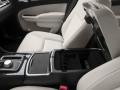 2016 Chrysler 300 4-door Sedan Limited RWD, SZ79123, Photo 18