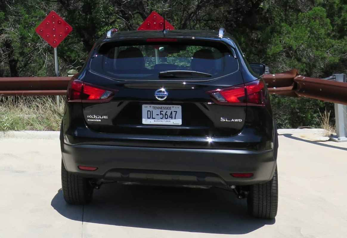 2017 Nissan Rogue Sport SL AWD Test Drive Photo Gallery
